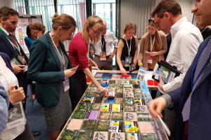 Urzędnicy z Europejskiej Służby Działań Zewnętrznych (EEAS) zagrali w The World's Future